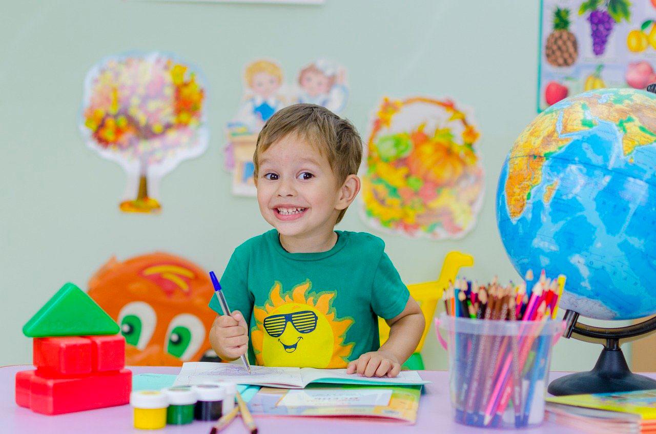 CAP petite enfance par correspondance : accéder à une activité professionnelle qui vous plaît