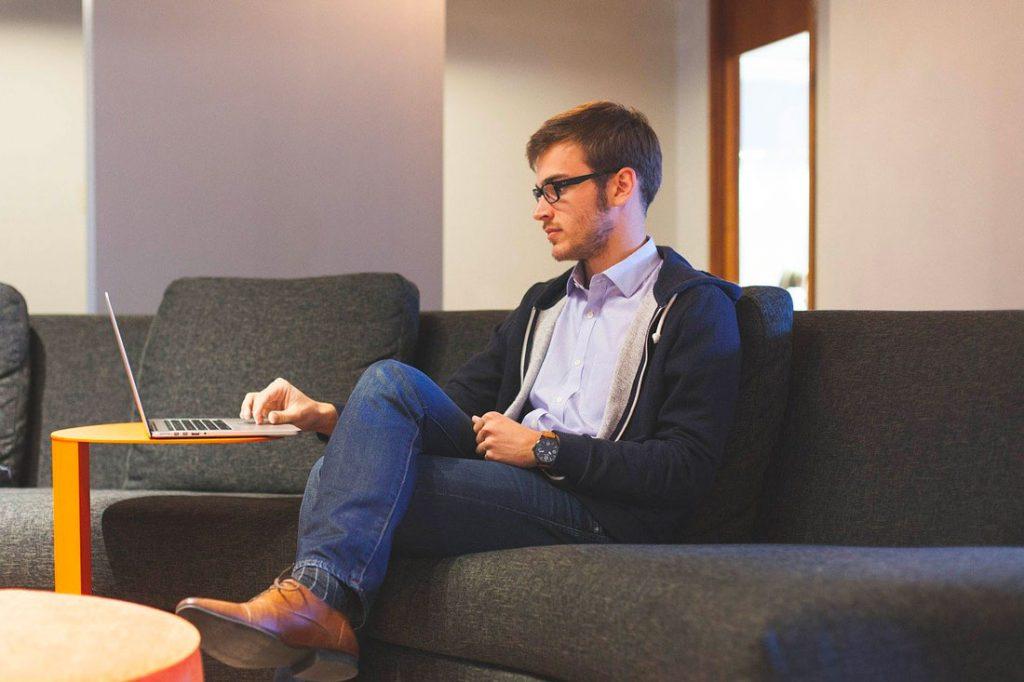 Simulation portage salarial : du salariat à la création d'auto-entreprise, pourquoi devenir consultant porté ?