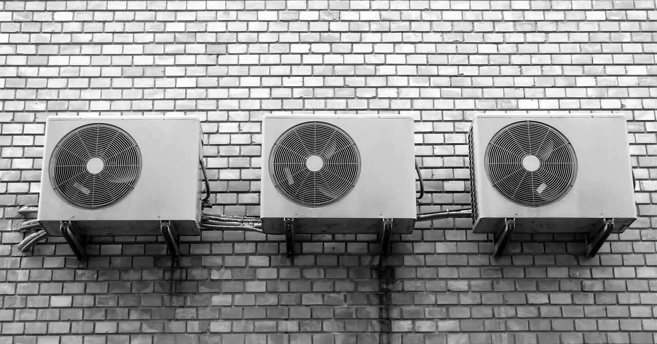 Les astuces pour cacher sa climatisation